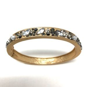 Jewelry - Lovely rose gold tone fashion bangle with CZ
